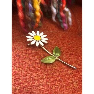 #newtocloset Sweet As A Daisy Vintage Pin Brooch